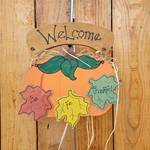 """Welcome pumpkin wooden sign """"be ye thankful"""""""